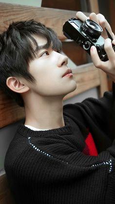 nose looks great. Idol 3, Jackson Yi, Cute Korean Boys, Kim Taehyung, Chinese Boy, Handsome Boys, Ulzzang Boy, Hot Boys, Beautiful Men