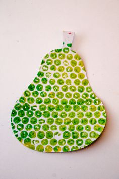 pear craft made by bubble wrap printing