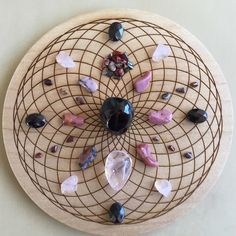 °Love Crystal Grid Crystals Minerals, Rocks And Minerals, Crystals And Gemstones, Stones And Crystals, Gem Stones, Crystal Magic, Crystal Grid, Crystal Healing, Crystal Mandala