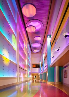 Light wall connecting corridor to existing hospital