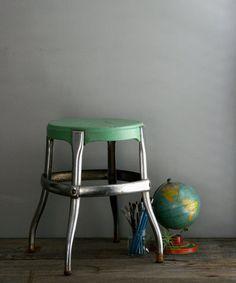 great green stool