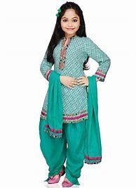 Kids Suits: Buy Salwar Kameez Sets for Kids Online Girls Dresses Sewing, Little Girl Dresses, Baby Dresses, Kids Outfits Girls, Girl Outfits, Pakistani Kids Dresses, Kids Salwar Kameez, Kids Lehenga Choli, Sarees