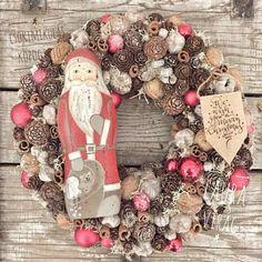 Christmas And New Year, Winter Christmas, Christmas Wreaths, Christmas Decorations, Xmas, Holiday Decor, Advent Wreath, Burlap Wreath, Diy Craft Projects