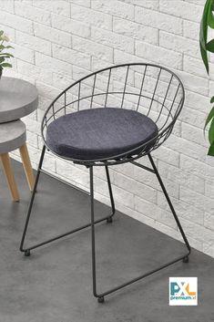 Tieto moderné a pohodlné kovové stoličky s krásnym dizajnom a vynikajúcimi úžitkovými vlastnosťami. Svoje miesto si zastanú v kuchyni alebo jedálni. Štýlovým elegantným vzhľadom skvele zapadnú aj do kaviarne, reštaurácie, cukrárne. Dodávané spolu s poduškou s textilným poťahom.