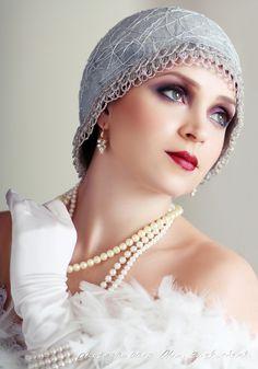 flapper bride Gatsby Look, Gatsby Style, Gatsby Theme, Great Gatsby Fashion, The Great Gatsby, Young And Beautiful, Beautiful Women, Beautiful People, Flapper Makeup