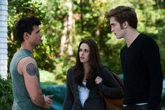 Still of Kristen Stewart, Taylor Lautner and Robert Pattinson in The Twilight Saga: Eclipse (2010)