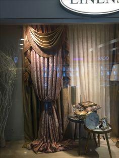 Boutique Window Displays, Curtain Shop, Luxor, Valance, Showroom, Living Rooms, Windows, Home Decor, Window Treatments
