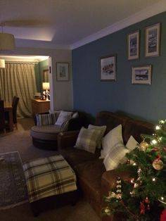 Farrow & Ball Oval Room Blue & Dimity.