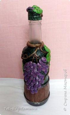 Представляю на суд мастеров бутылку декорированную яичной скорлупой и бумажными жгутиками  в технике Тани Сорокиной пейп-арт http://stranamasterov.ru/user/151613 фото 5