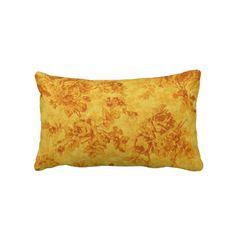 Travesseiro lombar das flores douradas