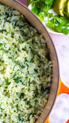 How to make delicious and flavorful cilantro lime rice that tastes even better than your favorite restaurants! How to make delicious and flavorful cilantro lime rice that tastes even better than your favorite restaurants! Mexican Food Recipes, Vegetarian Recipes, Cooking Recipes, Greek Recipes, Chipotle Recipes, Healthy Rice Recipes, Recipes With Cilantro, Minute Rice Recipes, Vegetarian Rice Dishes