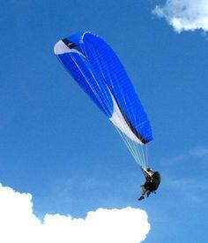 vôo de parapente na Serra da Moeda - MG, Brasil  viaggio-mondo.com