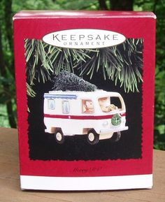 1995 Hallmark Keepsake MERRY RV Santa Mrs Claus MOTOR HOME Christmas ORNAMENT