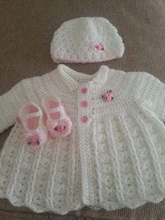 Crochet baby set by Crochet Baby Sweaters, Crochet Baby Cardigan, Baby Girl Crochet, Crochet Baby Clothes, Crochet For Kids, Baby Knitting, Knit Crochet, Free Crochet, Baby Set