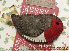 Christmas Robin Brooch - by Fabric Farm