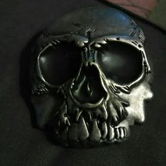 Skull belt buckle Very heavy. Awesome skull belt buckle accessory. Unisex. Accessories Belts