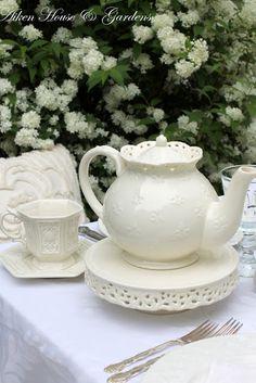 Aiken House & Gardens: White Splendor in the Garden