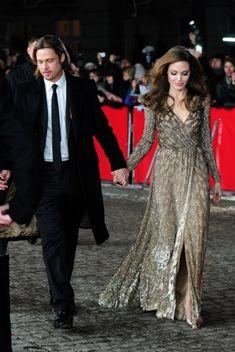 Angelina Jolie, en robe Jenny Packham, et Brad Pitt en 2012