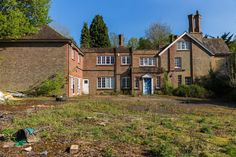 Visited with Cheers for this day out mate. This place is an absolute mindfuck when you spend a while there and go round a few times. Derelict Places, Days Out, Surrey, Lodges, Abandoned, Mansions, House Styles, Cheers, Punch