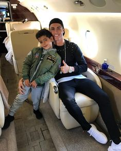 30 Times Cristiano Ronaldo and His Son, Cristiano Jr., Were Total Twins Cristiano Ronaldo 7, Christano Ronaldo, Messi, Neymar, Cr7 Jr, Portugal National Team, Ronaldo Real Madrid, All Star Cheer, Football Players