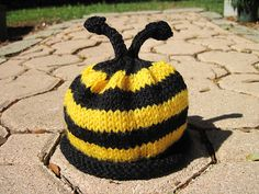 Ravelry: Preemie Ladybug, Butterfly & Bee Hats. pattern by Erssie