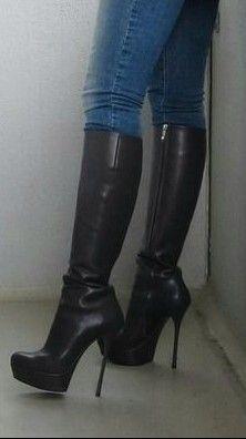 @irynatatarchuk #stilettoheelsoutfit