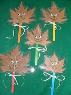 Otoño                                                                                                                                                                                 Más Autumn Crafts, Fall Crafts For Kids, Nature Crafts, Art For Kids, Leaf Crafts, Kids Crafts, Diy And Crafts, Arts And Crafts, Dora