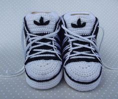 Direct link to free pdf pattern in English and Russian - Crochet Adidas Baby Sneakers