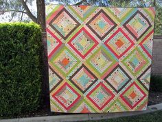 A great string quilt pattern with no foundation pieceing! The possibilities are endless with thousands of fabrics to choose from at the Fabric Shack at http://www.fabricshack.com/cgi-bin/Store/store.cgi Repinned: Summer Kaleidoscope Quilt Tutorial