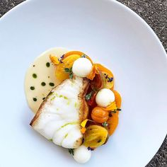 Image may contain: food Fish Recipes, Seafood Recipes, Cooking Recipes, Food Design, Roasted Cod, Chefs, Bistro Food, Star Food, Exotic Food
