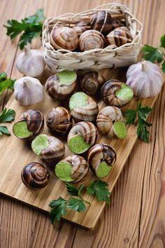 Escargot is served as an appetizer in Spain & France. Butter and fresh herbs serve to make this a tasty dish. Recipe for Escargots de Bourgogne included. Food Network Recipes, Cooking Recipes, Healthy Recipes, Escargot Recipe, Snails Recipe, Carlsbad Cravings, European Cuisine, My Favorite Food, Favorite Recipes