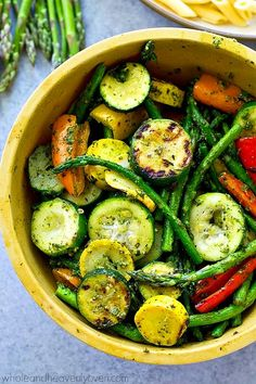 Summer Pesto Grilled Vegetables with Penne Covered in flavorful pesto and grilled to smoky perfection, these grilled vegetables and penne pasta are an easy and totally amazing vegetarian dinner for the summer! Grilling Recipes, Veggie Recipes, Dinner Recipes, Cooking Recipes, Healthy Recipes, Vegetarian Grilling, Healthy Grilling, Barbecue Recipes, Barbecue Sauce