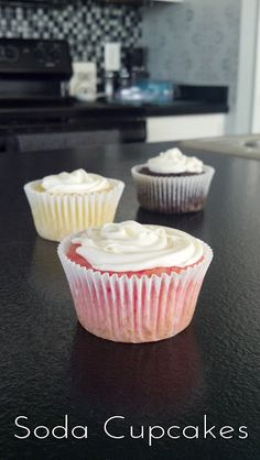 Soda Cupcakes...A very Easy, Low Calorie desert!!! Only 2 ingredients, what could be better than that?