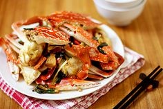 Stir-Fried Crab with Ginger and Scallion