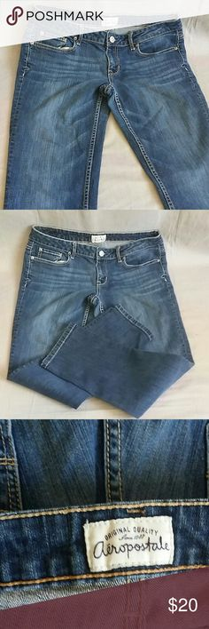 """Aeropostale Bayla SKINNY CURVY 11/12 Short Pants Item is in a good condition, NO PETS AND SMOKE FREE HOME. Measurements WAIST 17 """" flat,  inseam 27"""" Aeropostale Jeans Skinny"""