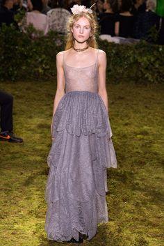 Christian Dior - Pasarela | Galería de fotos 33 de 62 | VOGUE