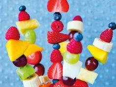Friske og fargerike fruktspyd - Godt.no - Finn noe godt å spise
