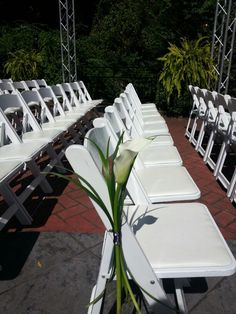 Calla Lily aisle marker for an outdoor wedding