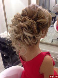 Fryzury Długie Ślubne Kręcone Upięcie Blond