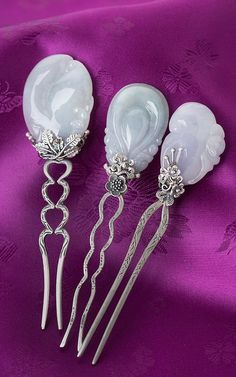 나스첸카 NASCHENKA - KOREA > 뒤꽂이 · 떨잠  carved white stone and silver hairpin