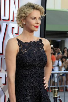 Charlize Theron short blonde curly hairstyle