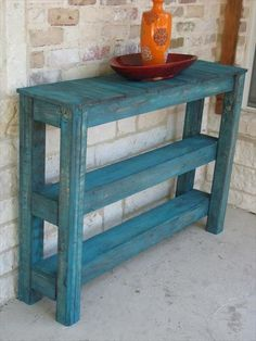 Pallet Outdoor Table- 26 DIY Pallet Side Table   DIY to Make