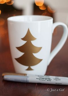 Sharpie Christmas Mug! This would make a great gift for neighbors, teachers and friends!