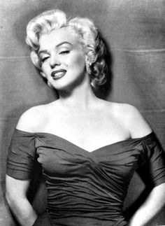 Marilyn with tattoos? awesome-tattoo-divas-by-jason-rhill-marilyn-monroe nsmbl. Divas, Marilyn Monroe Tattoo, Pin Up, Mae West, Classic Movie Stars, Tatoo Art, Norma Jeane, Elizabeth Taylor, American Actress