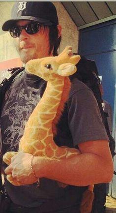 Reedus & his Giraffe