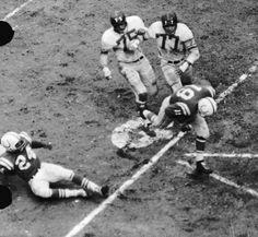 Unitas scores! (1959 NFL Championship Game)