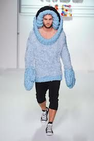 LOL geez If I would ever meet a guy in this I would die laughing :D or at least faint :P