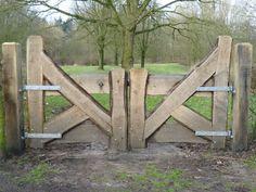 Imperial Antique Ziegel www. Driveway Gate, Fence Gate, Fences, Front Gates, Entrance Gates, Backyard Projects, Garden Projects, Farm Gate, Wooden Gates