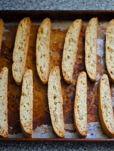 almond biscotti 2 Deann's comment- I used maple extract instead of almond and it was great Biscotti Cookies, Biscotti Recipe, Almond Cookies, Yummy Cookies, Chocolate Cookies, Italian Cookies, Italian Cookie Recipes, Sicilian Recipes, Sicilian Food