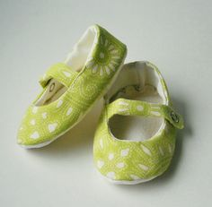 Mary Jane Baby Shoe - Lime and Cream. $26.00